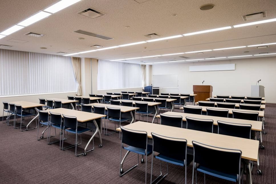 沖縄県市町村自治会館 中会議室